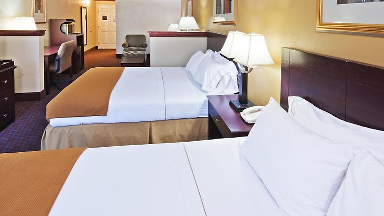 Holiday Inn Express Tahlequah Room Hotel information