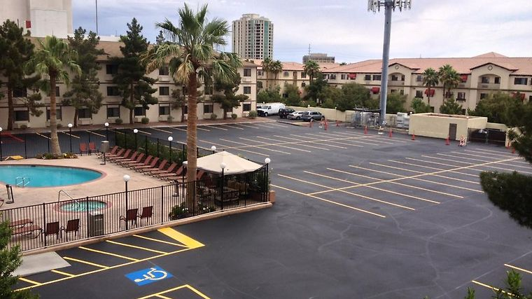 Super 8 Las Vegas Strip Area A Exterior Hotel information