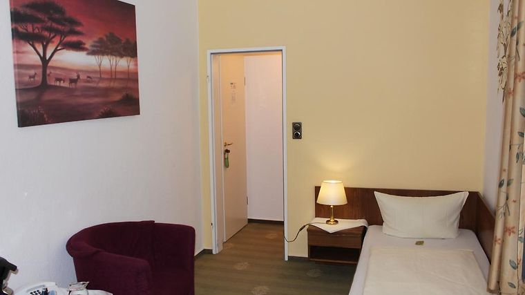 Cross Country Hotel Stadt Norden Room