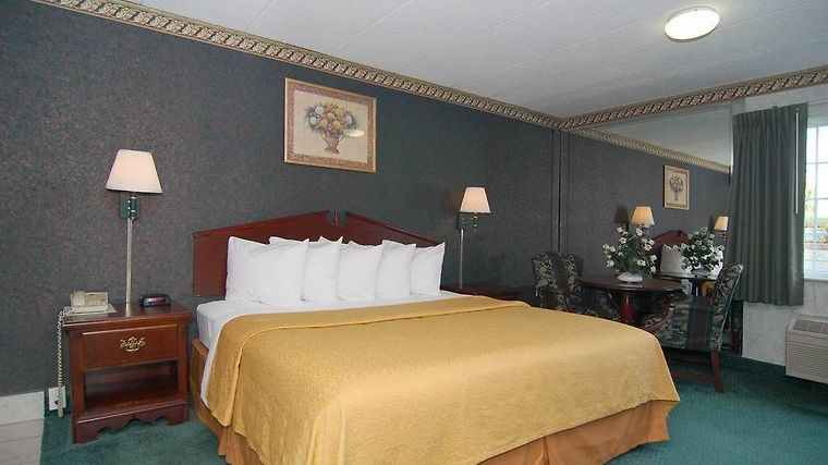 Quality Inn & Conference Center Room