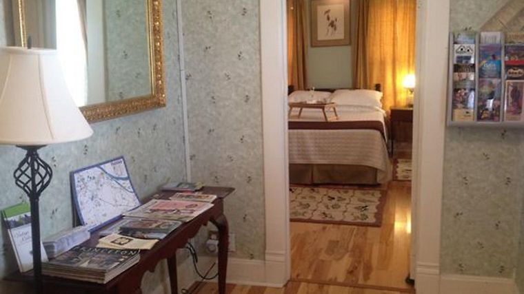 Cadiz Street Bed And Breakfast Quotthe Colonels Housequot Room