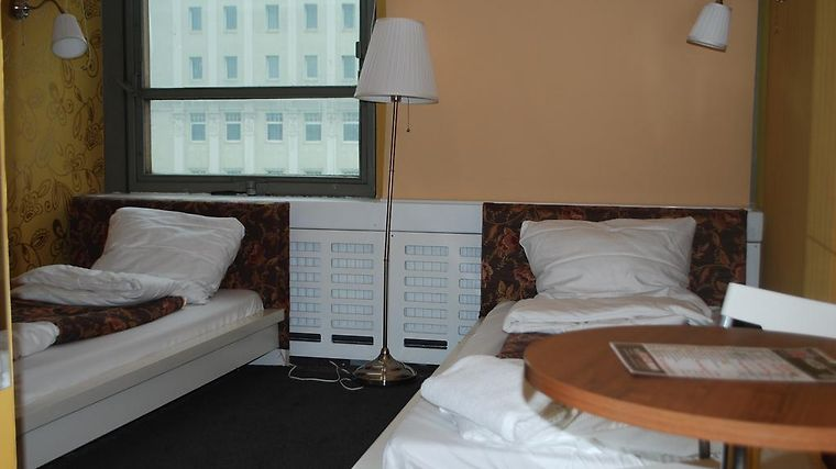 Fusion Hostel And Hotel Room