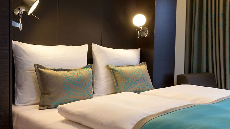 Motel One Rostock Room