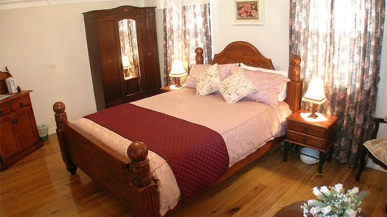 Johnstones On Oxley Bed And Breakfast Room