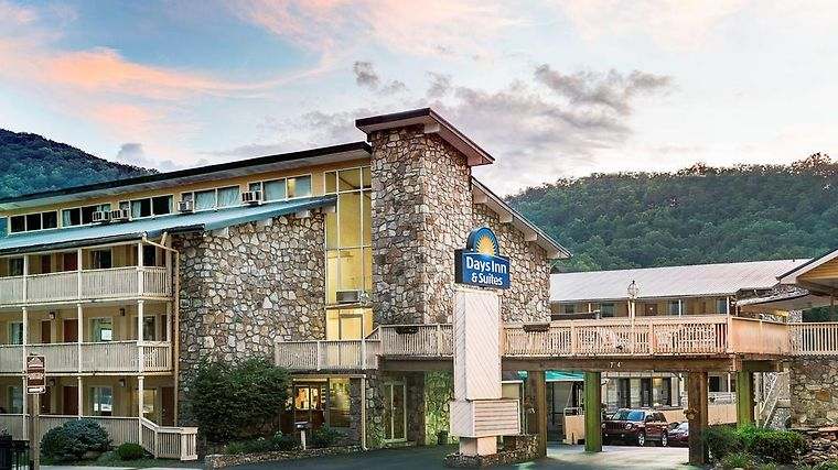 Days Inn And Suites Downtown Gatlinburg Parkway Exterior Days Inn - Suites Downtown Gatlinburg Parkway