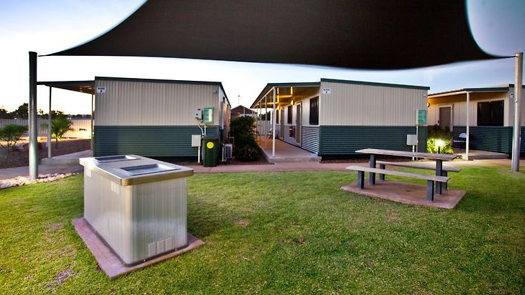 Karratha Lodge Exterior Hotel information