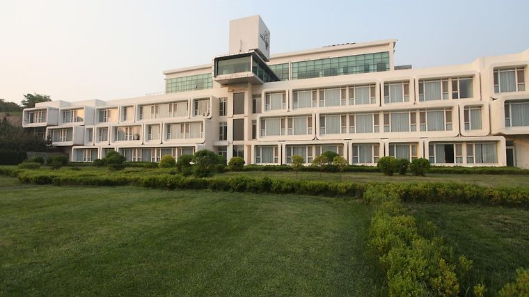 Qingdao Tiantai Golf & Hot Spring Lohas Resort Exterior