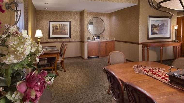 Hotel Hilton Lisle Naperville Il 3 United States From Us 136 Booked