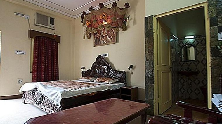Royal Aashiyana Palace Hotel Room