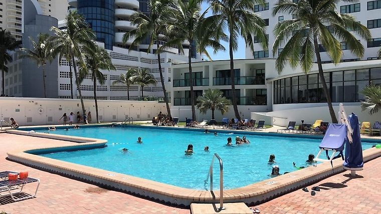 Oceanfront Studio Casablanca Miami Beach Fl United States From Us 116 Booked