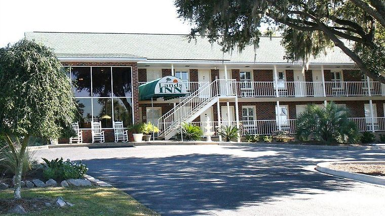 Creekside Lands Inn Exterior