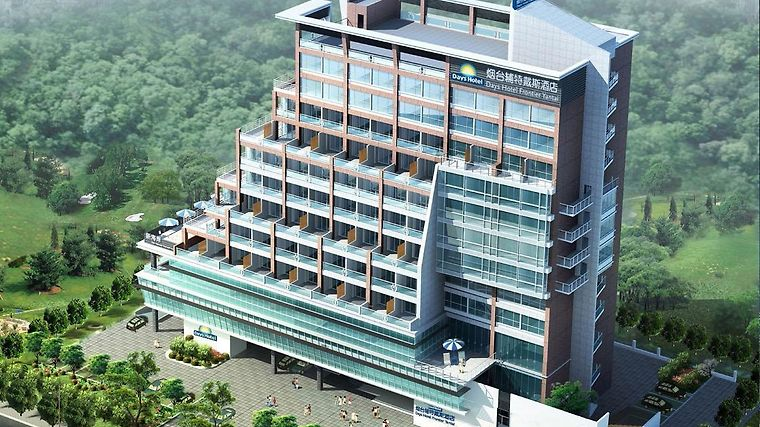 Days Hotel Frontier Yantai photos Exterior