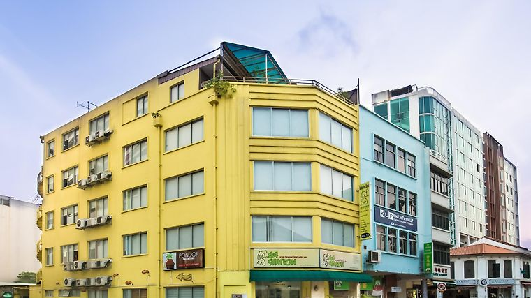 G4 Station Backpackers' Hostel Exterior