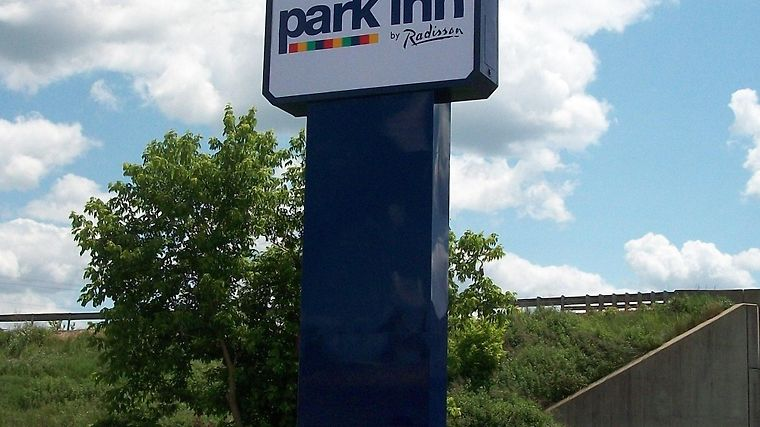 Park Inn By Radisson Sharon Exterior