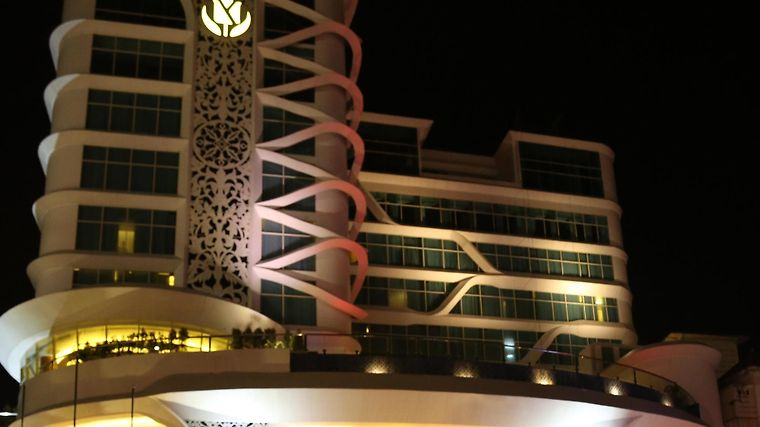 Golden Tulip Galaxy Banjarmasin Exterior