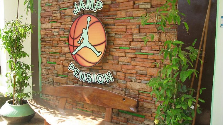 Jamp Pension Exterior