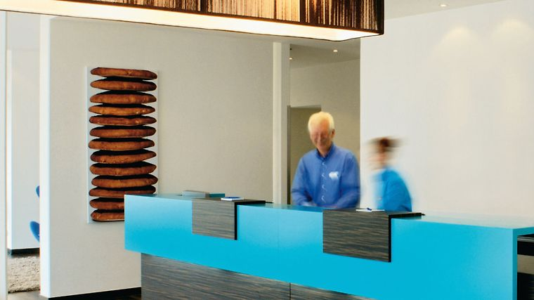 Motel One Nuernberg-Plaerrer Exterior Reception/Lobby