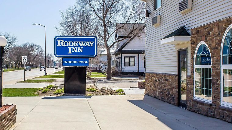 Rodeway Inn & Suites Near Okoboji Lake photos Exterior