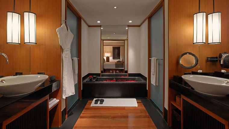 The Setai Exterior Guest room