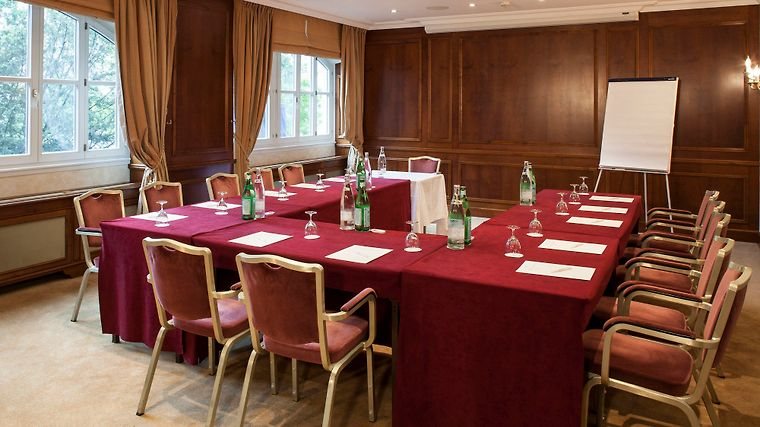 Hotel Bristol Geneva Business Conference Room