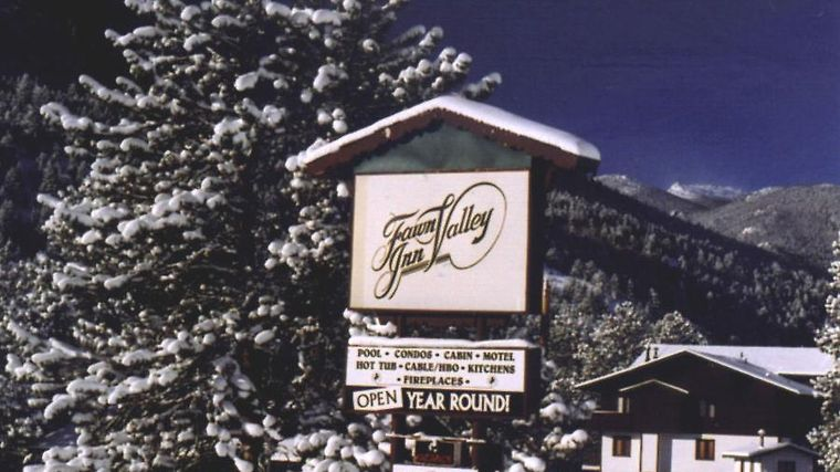 Fawn Valley Inn Exterior