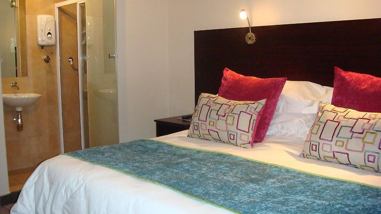 Signal Hill Lodge Exterior