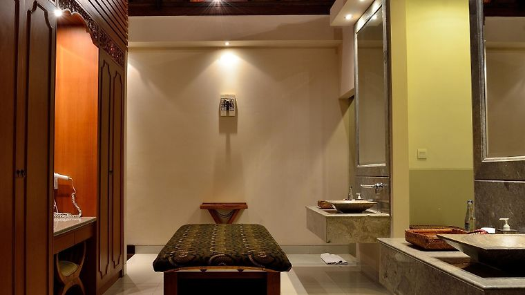 Disini Luxury Spa Villas Exterior