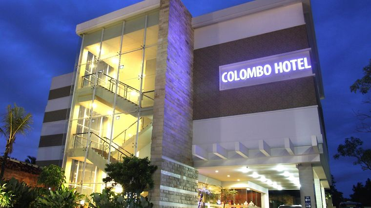 Quin Colombo Hotel Exterior