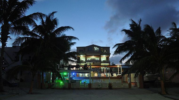 Island Magic Beach Resort Ltd Exterior