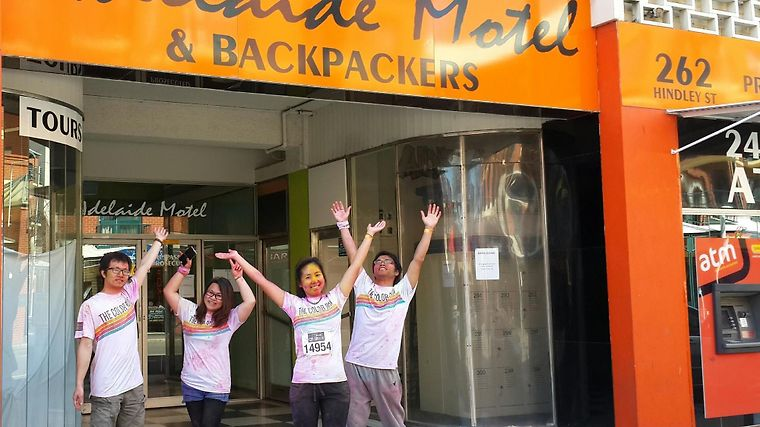 Adelaide Motel & Backpackers Exterior