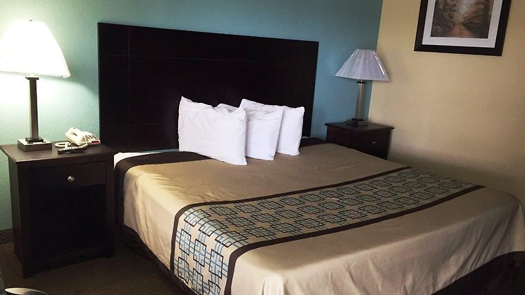 ... HOTEL RED ROOF INN MOBILE NORTH MOBILE AL 2 United States