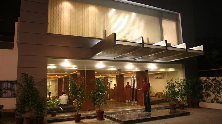 Hotel One - The Mall Lahore Exterior