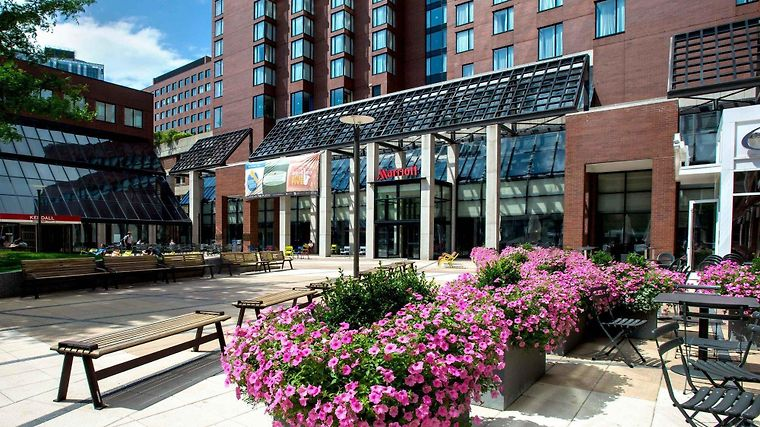 Boston Marriott Cambridge Exterior