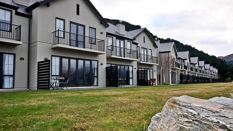 Platinum Queenstown Luxury Villas Exterior