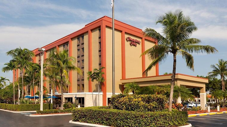 Hampton Inn Miami-Airport/West Exterior