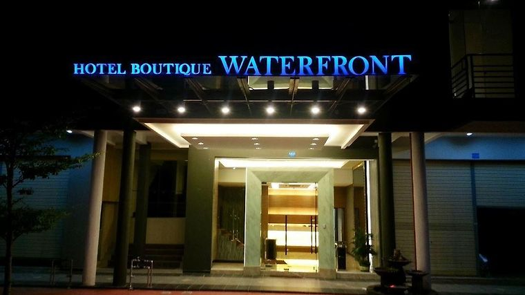 Waterfront Boutique Hotel Port Dickson Exterior