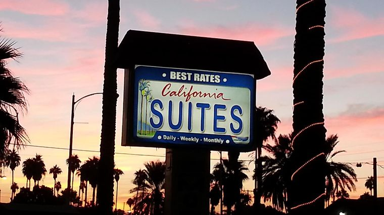 California Suites Motel Exterior