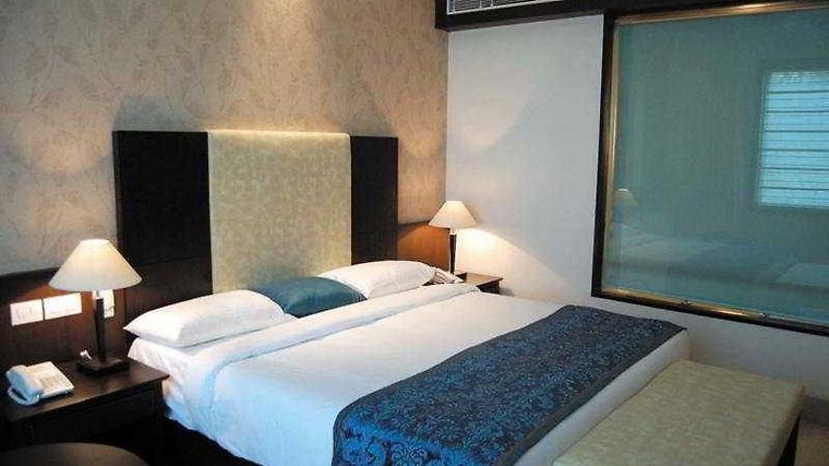 Airport Residency-Airport Hotel And Resorts Room