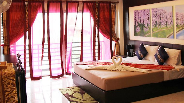 Hotel thai classic house patong 3 thailandia da 77 for Thai classic house 2
