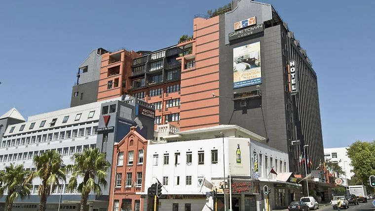 Cape Town Lodge Hotel Exterior