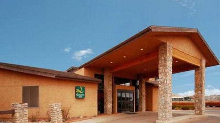 Quality Inn Navajo Nation Exterior