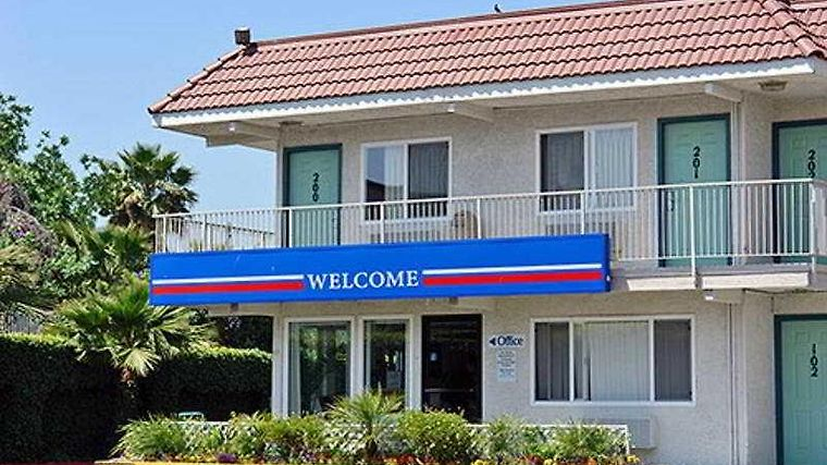 Motel 6 Los Angeles Santa Fe Springs Exterior
