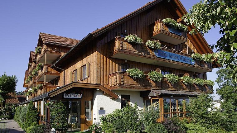 Akzent Hotel Alte Linde Wieling Exterior