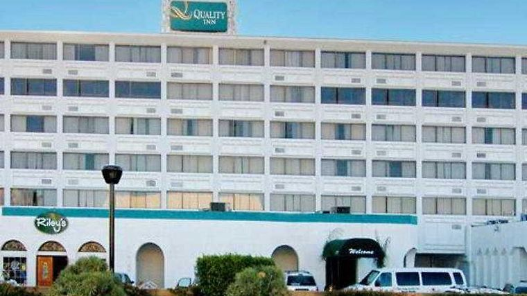 Quality Inn Airport / Sea World Area Exterior