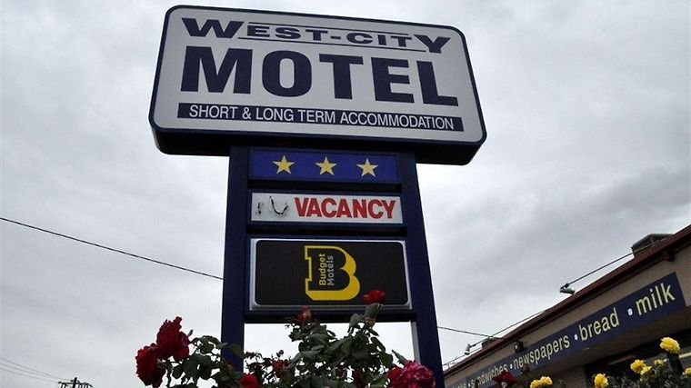 West City Motel Exterior