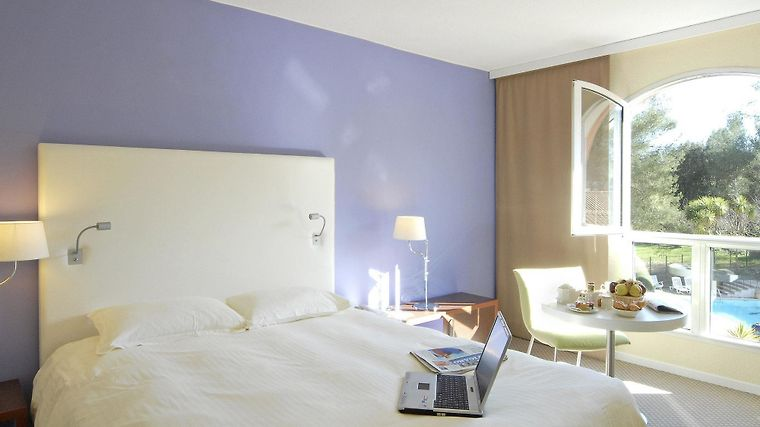 Mercure Sophia Antipolis Room