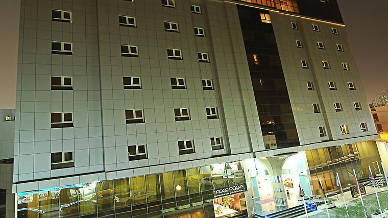Corp Executive Doha Suites Exterior