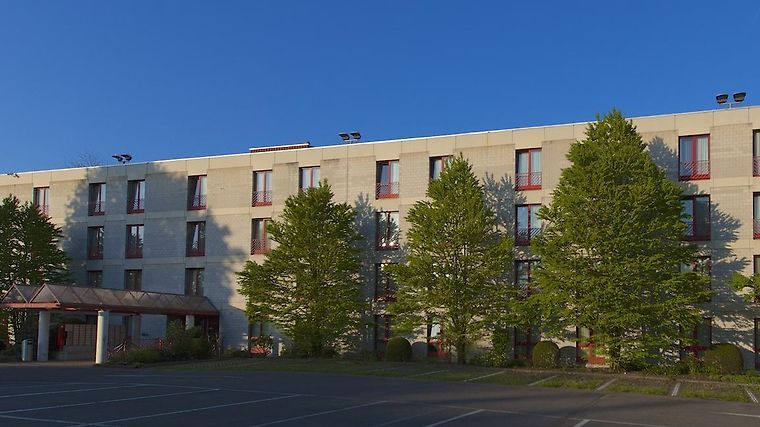 Stay At Zurich Airport Hotel Exterior