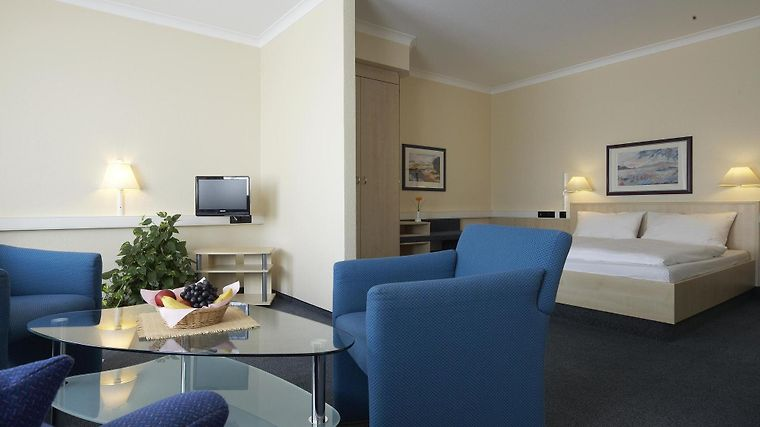 Intercityhotel Erfurt Room