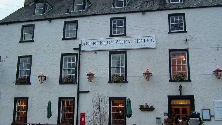 The Weem Inn Exterior